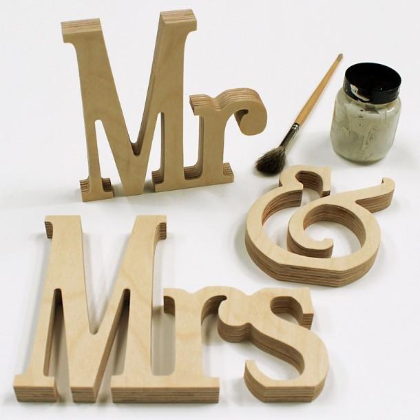 Elegant Mr & Mrs Letter Set - Unpainted