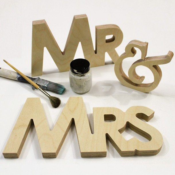 Modern Mr & Mrs Letter Set - Unpainted